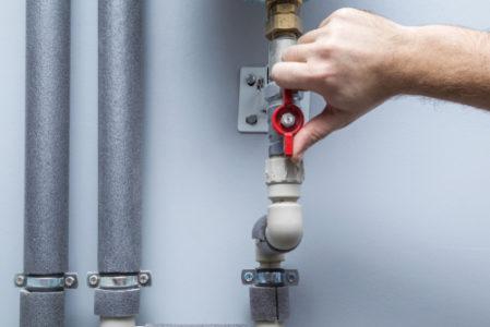Gebäudeversicherung - Nichtentleerung wasserführender Leitungen eines leerstehenden Gebäudes