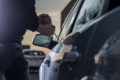 Deckungsklage gegen Kaskoversicherung bei Fahrzeugdiebstahl - Zweifeln an Redlichkeit