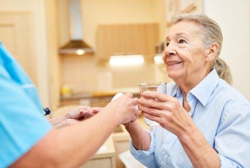 private Krankheitskostenversicherung - ambulante Medikamentengabe durch Pflegedienst