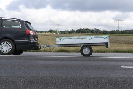 Kfz-Kaskoversicherung - Schaden am eigenen Pkw durch den Anhänger beim Rückwärtsfahren