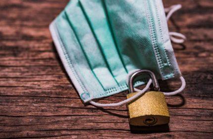 Corona-Pandemie: Haftet Betriebsversicherung bei Corona-Einnahmeausfällen?