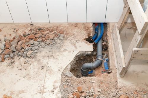 Gebäudeversicherung - Bruch der unter dem Kellerboden verlegten Abwasserleitung