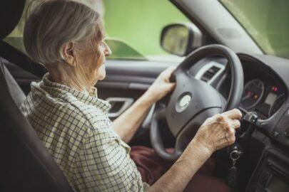 Kfz-Kaskoversicherung - Leistungskürzung bei Unfallflucht eines betagten Versicherungsnehmers