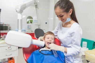 Krankenversicherung - Umfang medizinisch notwendiger Zahnbehandlung bei sechsjährigen Kind