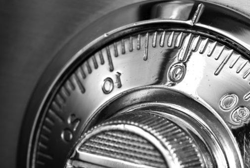 Hausratversicherung – Wirksamkeit einer Tresorklausel