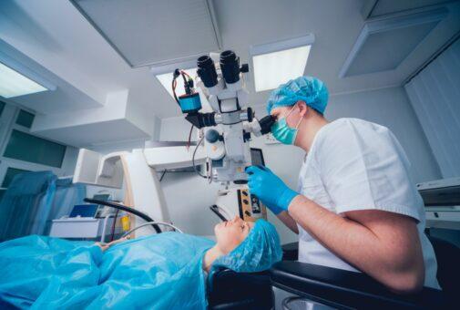 Einsatz Femtosekundenlaser bei Katarakt-Operation an Auge - Kostenersatz