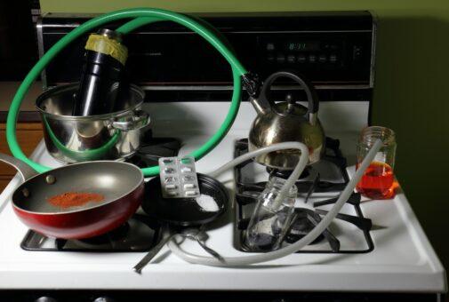 Hausratversicherung - Leistungsfreiheit bei Drogenherstellung in der Wohnung