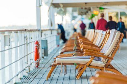 zwei Stürze auf einem Kreuzfahrtschiff