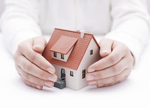 Wohngebäudeversicherung – Arglist bei Falschangabe des Baujahrs
