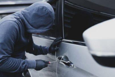 Kraftfahrversicherung – Diebstahlsschaden - Grobe Fahrlässigkeit - Königszapfenschloss