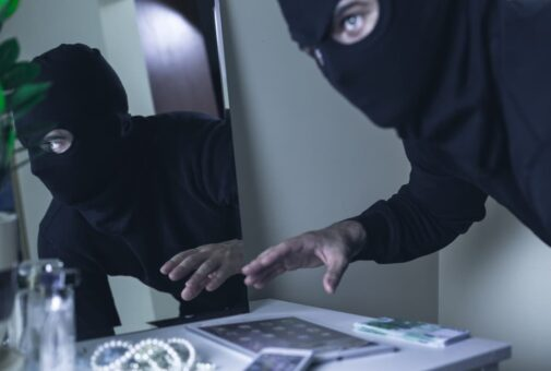 Hausratversicherung - Bedrohungslage mit Gewalttat mit Gefahr für Leib oder Leben