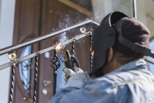 Gebäudeversicherung - grobe Fahrlässigkeit bei Schweißarbeiten