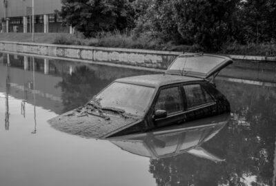 Unwetter mit Starkregen – Eintrittspflicht der Kaskoversicherung bei Fahrzeugschäden